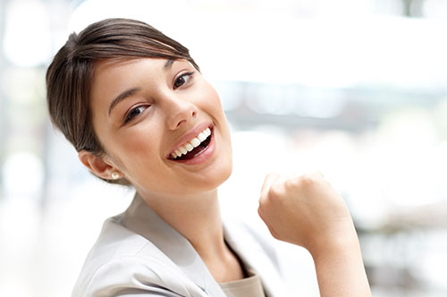 Bonding Is A Fast & Effective Fix For Your Smile (video)
